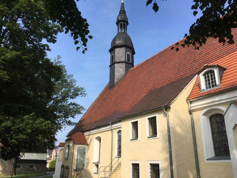Frauenhain, Kirche