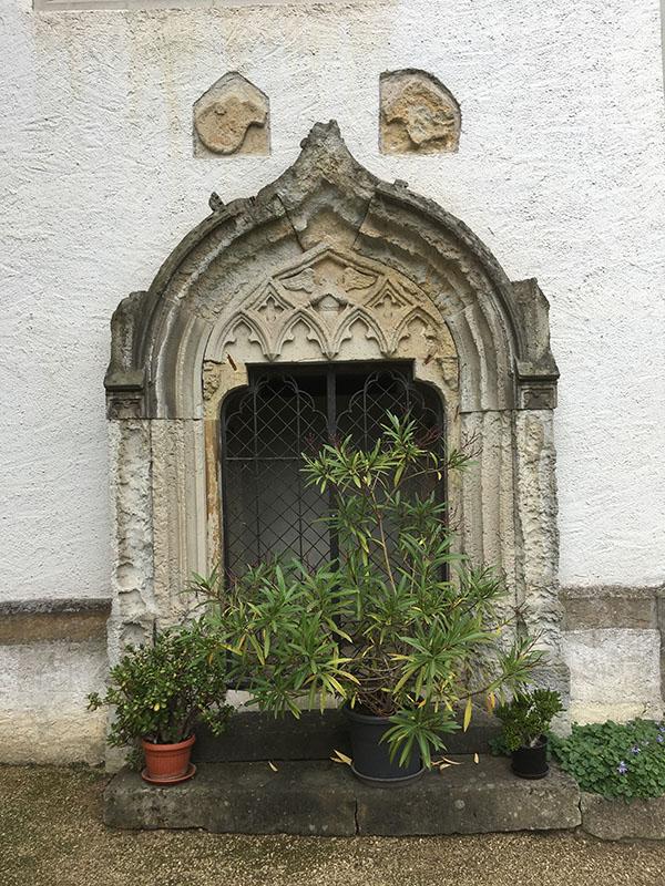 Rieas, Kirche, Portal