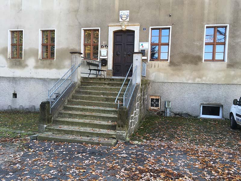 Freitreppe am Herrenhaus Kraußnitz