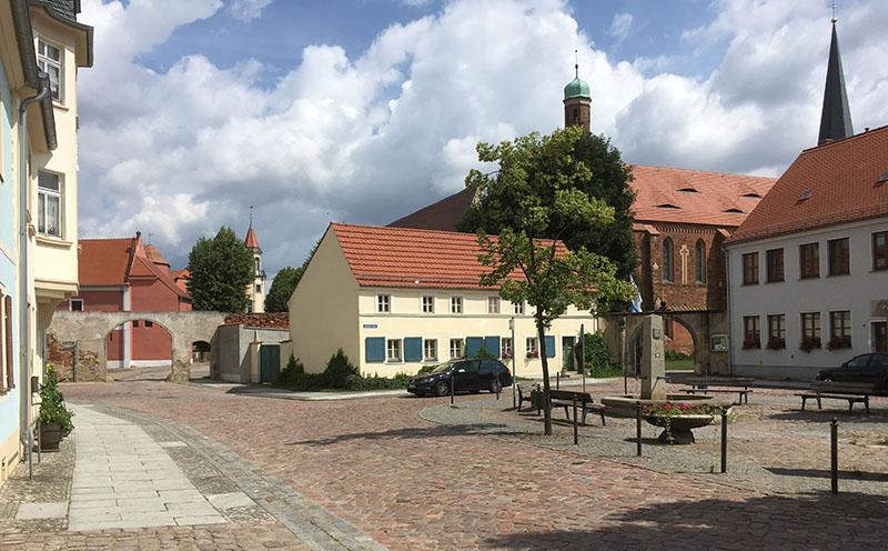 Mühlberg, Altstädter Markt mit Klosterkirche